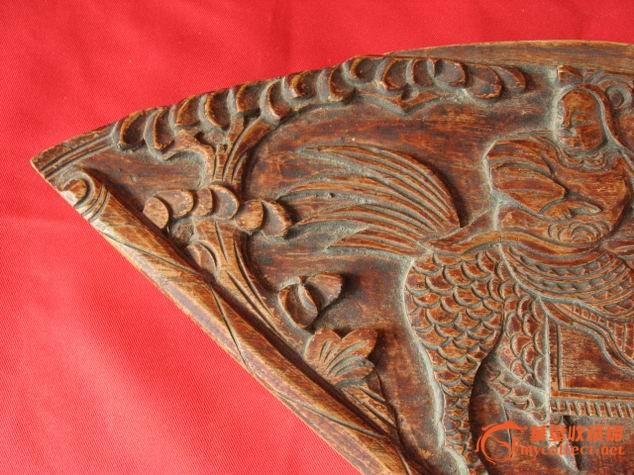 漂亮==民间收来的扇形凸雕麒麟人物木雕花板