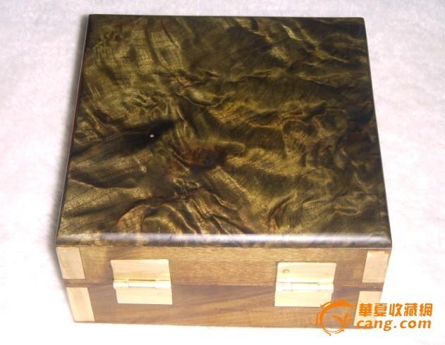 金丝楠极品花纹盒子