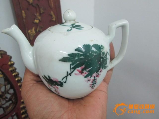 大师手绘陶瓷茶壶