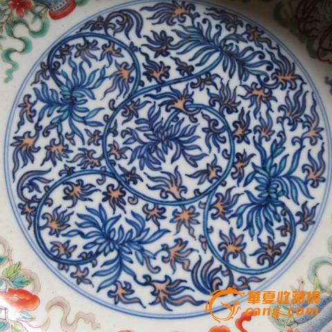 陶瓷 其它 粉彩花纹盘子
