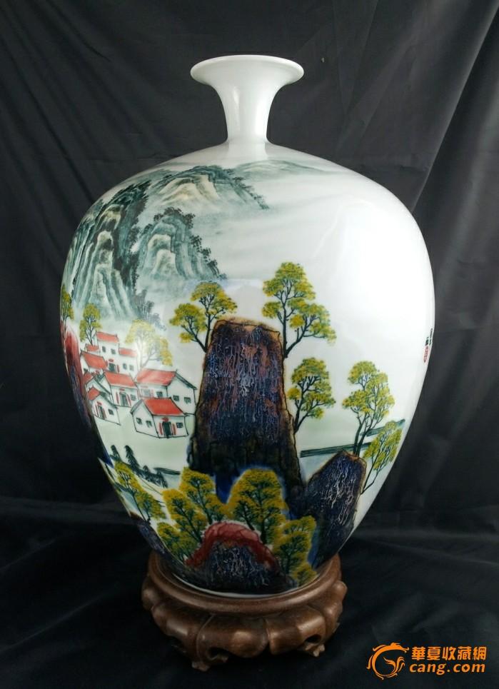 全手工拉坯手绘釉下彩山水通景大赏瓶