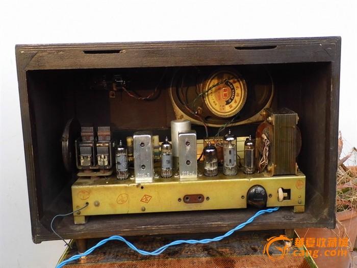 红灯711-2电子管机,出口机型,中短波段正常,声音洪亮悦耳