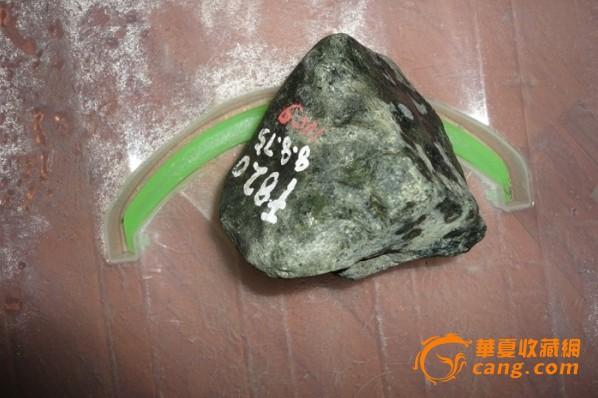 缅甸翡翠玉石原石 松花赌石 赌绿料图片