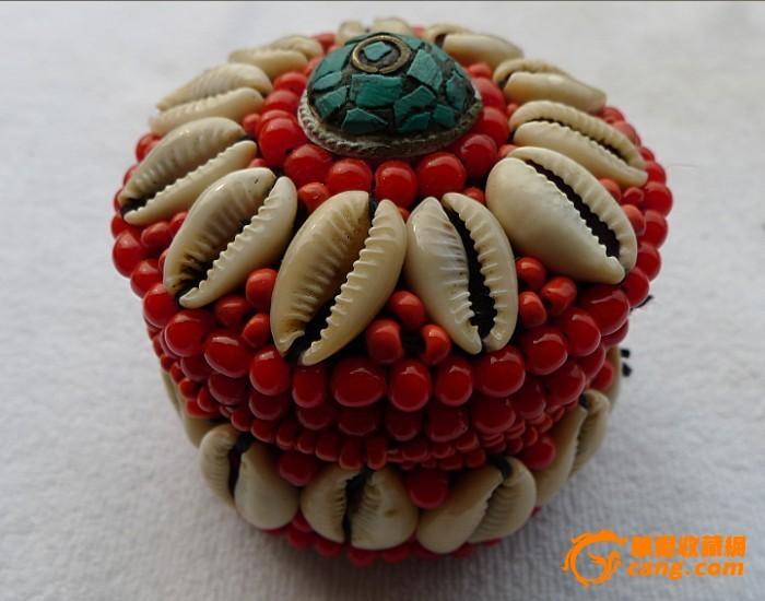 藏饰品尼泊尔纯手工串珠缝制红珊瑚白贝壳首饰盒小号