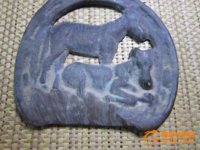 一个不知道做什么用的动物老铜挂件图片
