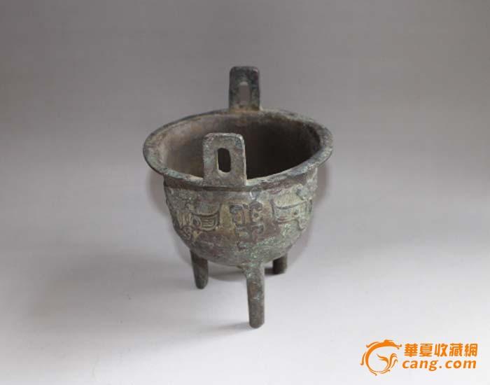 古代皇宫铜鼎矢量