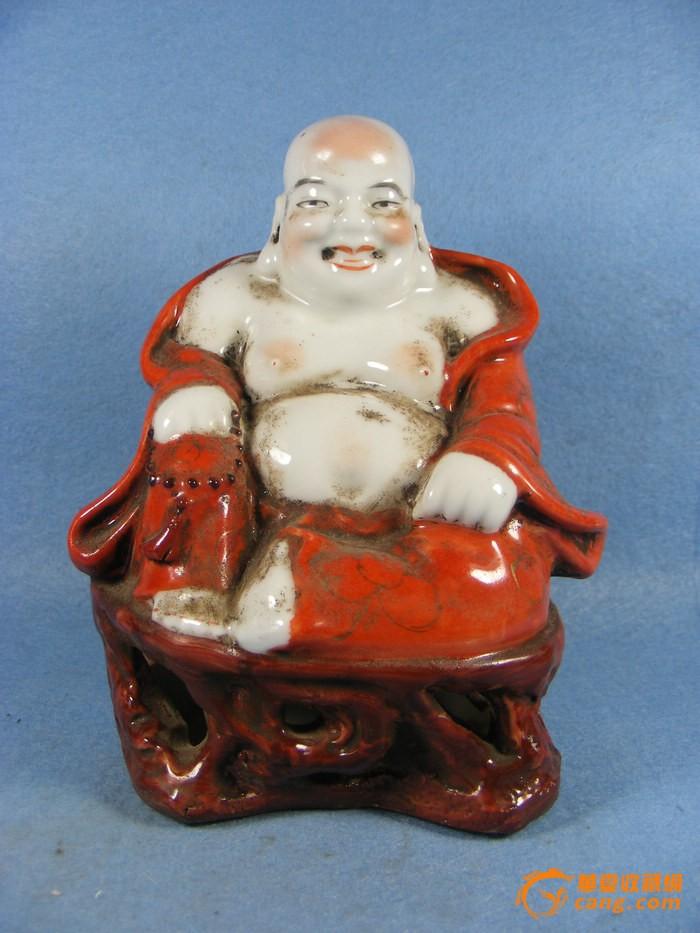 晚清红釉描金罗汉瓷摆件