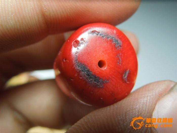 一颗清代大号深海红珊瑚桶珠