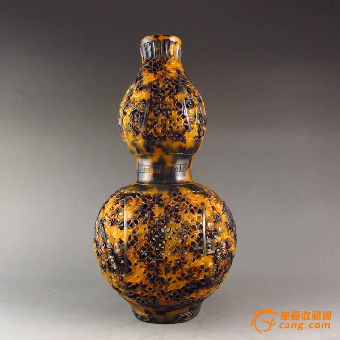 精工雕刻 精美镂空葫芦造型瓶