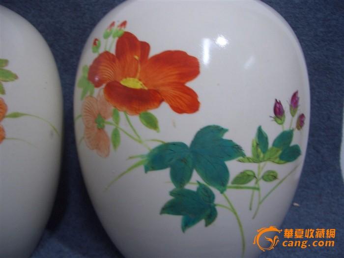 文革--全品手绘花卉冬瓜罐一对