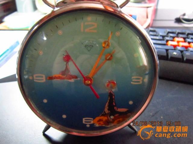 钟表收藏-库存全新名牌牌机械带动的闹钟-飞机 文革碗小碗一对《收藏