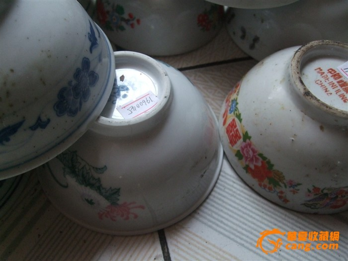 连环画一组 便宜卖:一对醴陵老瓷器湖南陶瓷研究所花插 便宜让:一个