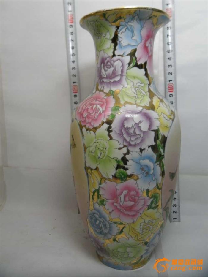 7十年代潮彩纯手绘金地万花瓶 全品