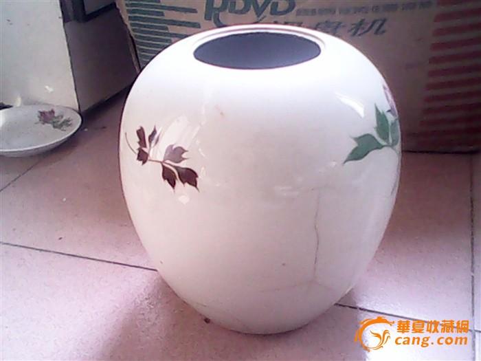 文革醴陵窑瓷器手绘花卉罐子