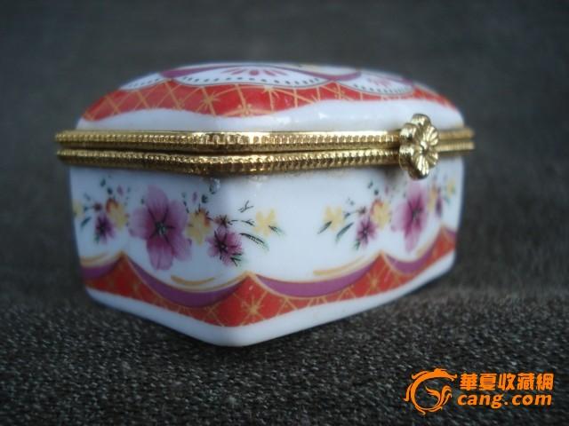 粉彩小瓷盒图4