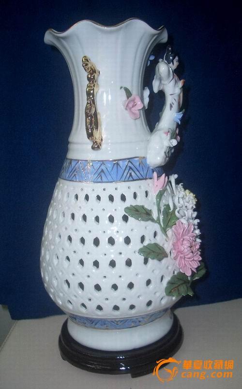 地摊 陶瓷 其它 供出口带底座捏塑天女散花镂空花瓶  卖家: 信息