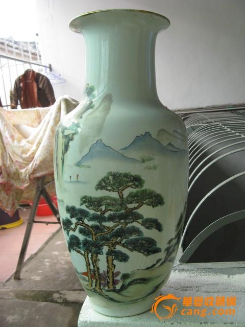 大气的山水手绘花瓶