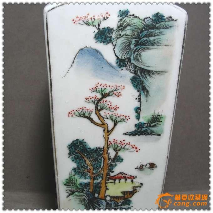 造型美观的民国手绘山水纹瓷瓶