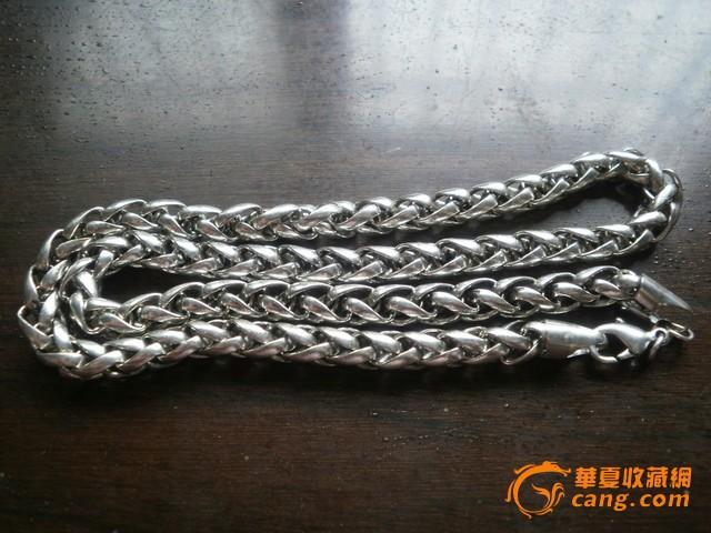 一根银质麻花纹粗银链