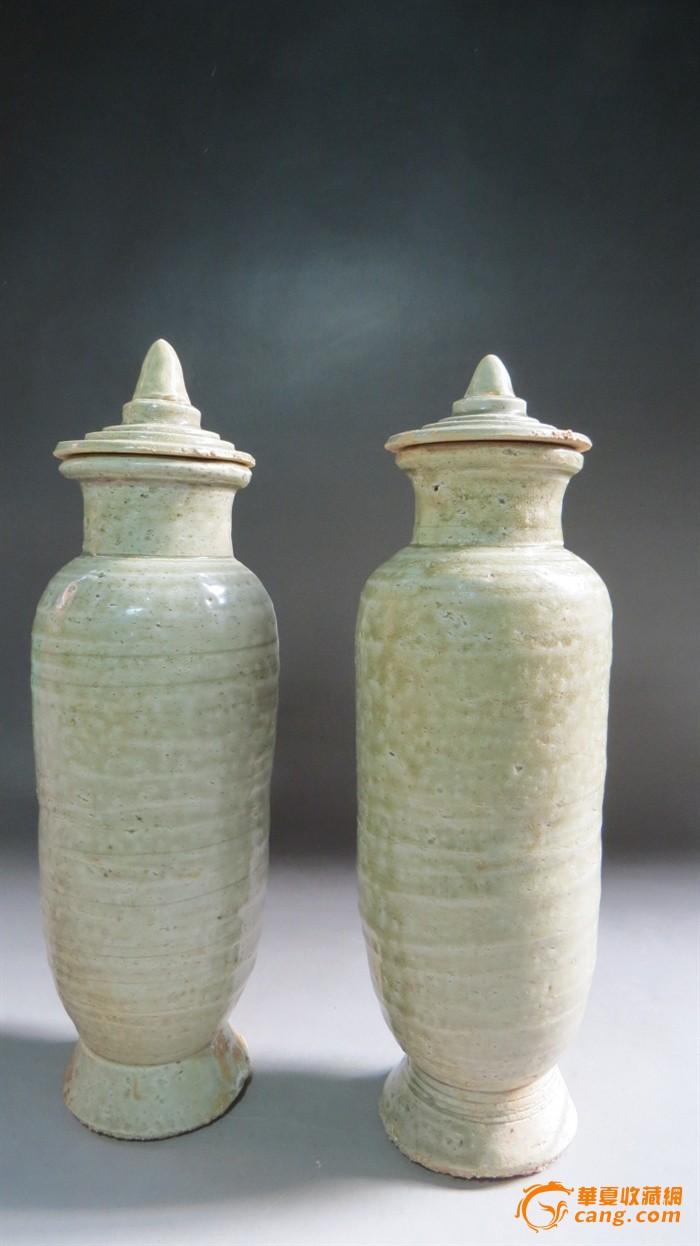元代青瓷直筒盖瓶一对图1