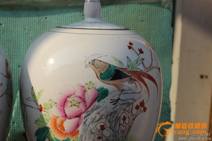80年代手绘锦鸡富贵冬瓜罐一对