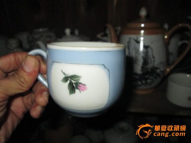 手绘花卉杯子