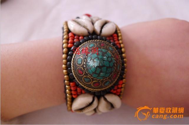 藏饰品尼泊尔纯手工串珠缝制红珊瑚绿松石贝壳手镯