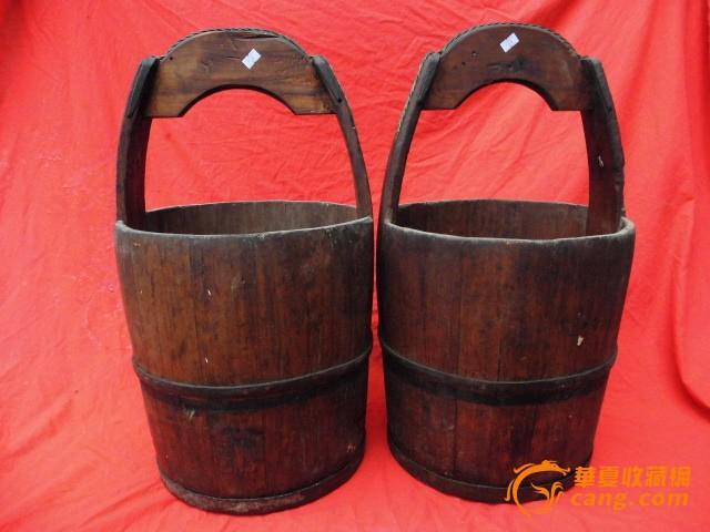农村取暖老木桶图片