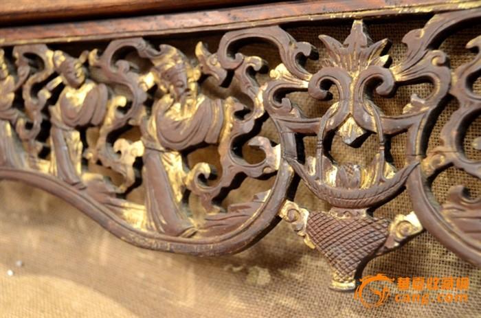 一件清代鎏金精雕和合童子带狮子脚老木雕花板