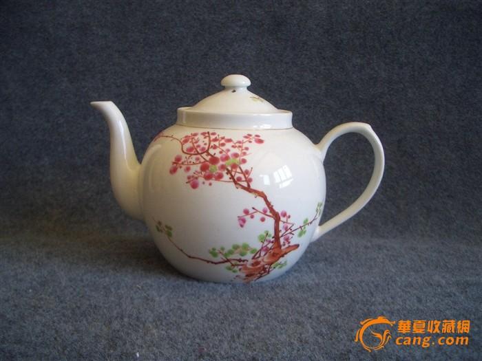 文革--手绘梅花茶壶