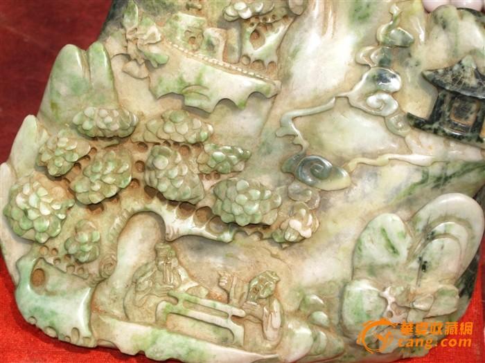 雕刻山水人物的天然老翡翠大摆件