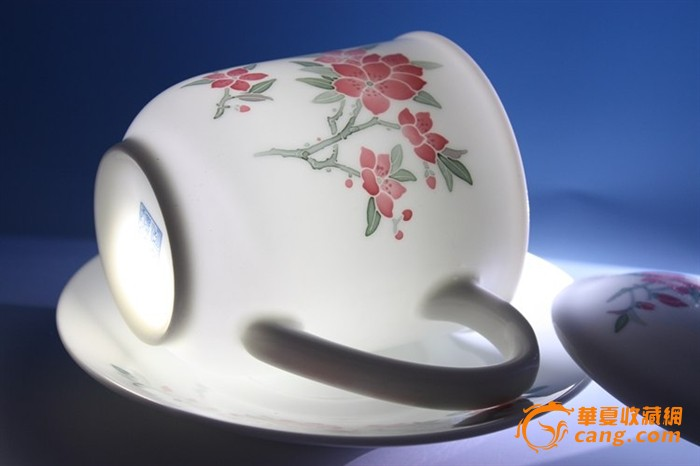 醴陵群力最后一批中南海用瓷—釉下五彩手绘桃花胜利杯带托碟