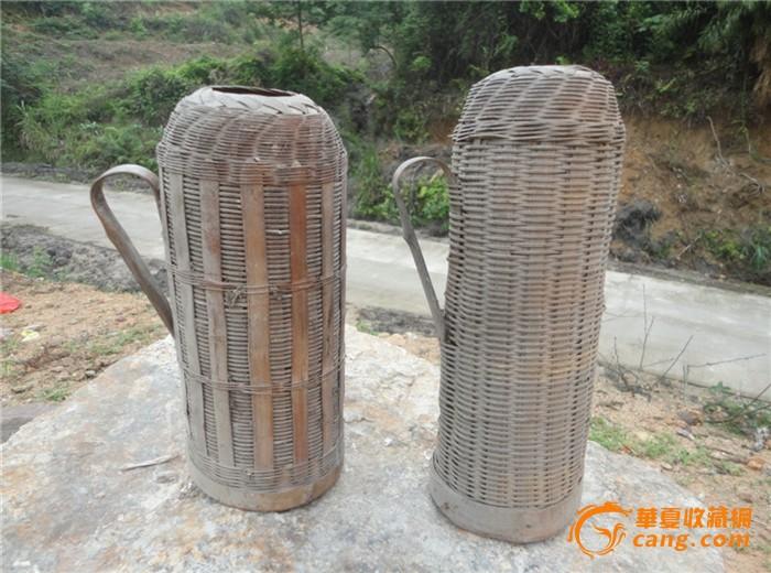 旧社会物质异常缺乏用竹丝编制成的暖水瓶外壳一对图片