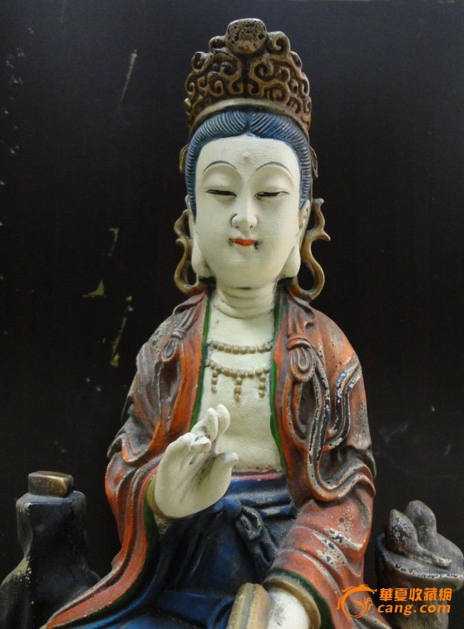 清代木雕菩萨像