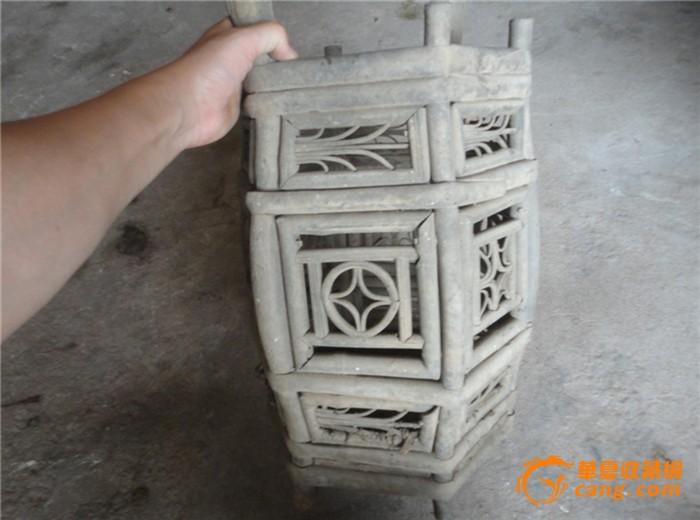 木做的架竹子做的装饰(客家人嫁女娶亲所用的担子)