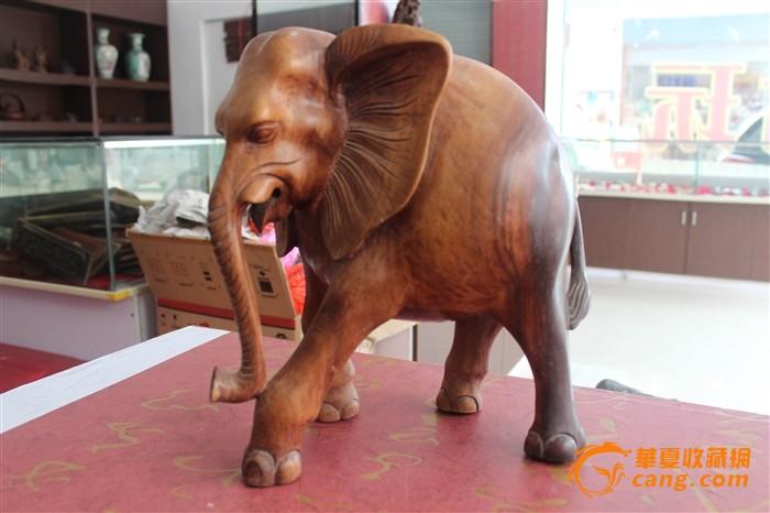 酸枝木雕精品大象图片