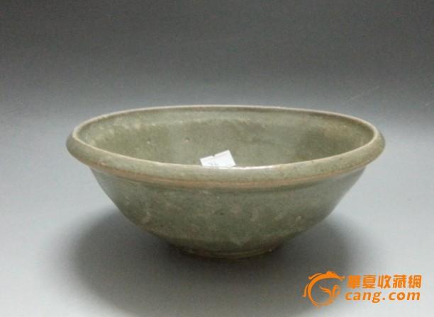 元代青釉大瓷碗
