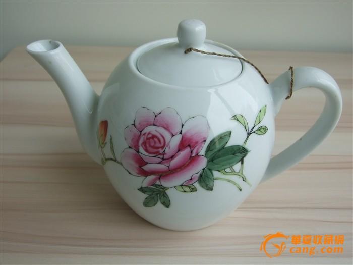 文革手绘牡丹茶壶