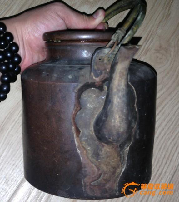 很老的粗��_清代——红泥粗砂老紫砂壶一把!