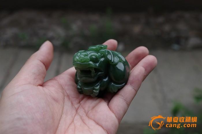 品相: 全品 形状: 动物 交易品介绍    碧玉貔貅一对,俄罗斯碧玉,雕刻