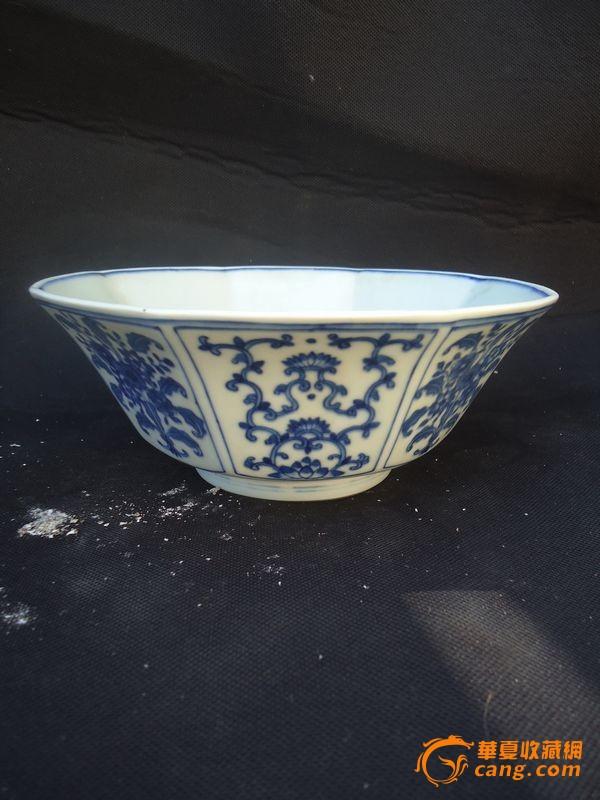 地摊 陶瓷 明清 > 八棱青花花纹碗