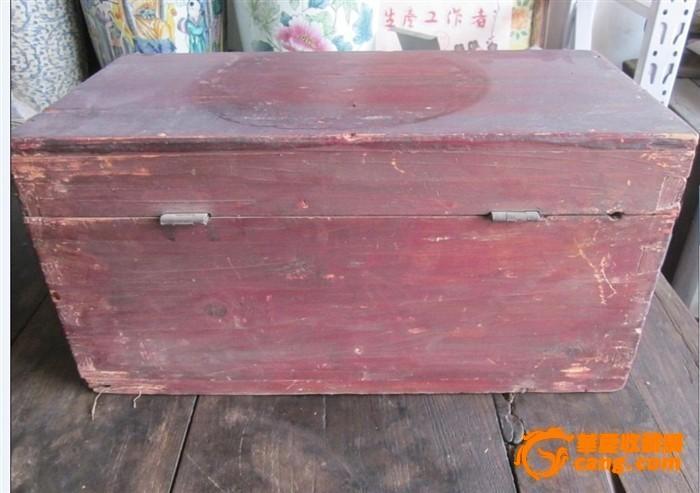 老木头箱子