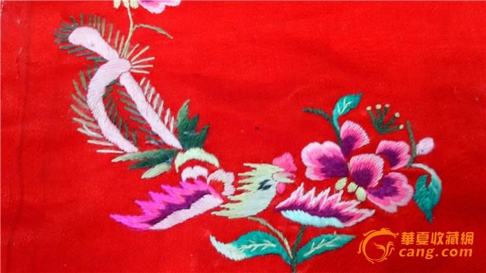 清代红色缎地刺绣绣花绣片 老绣品 凤穿牡丹图片