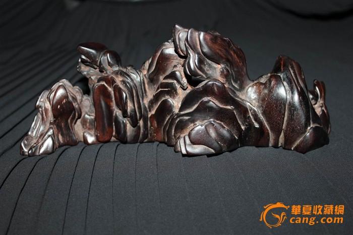 紫檀木雕刻的山行笔架