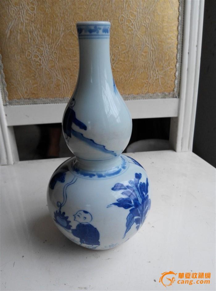 青花人物葫芦瓶