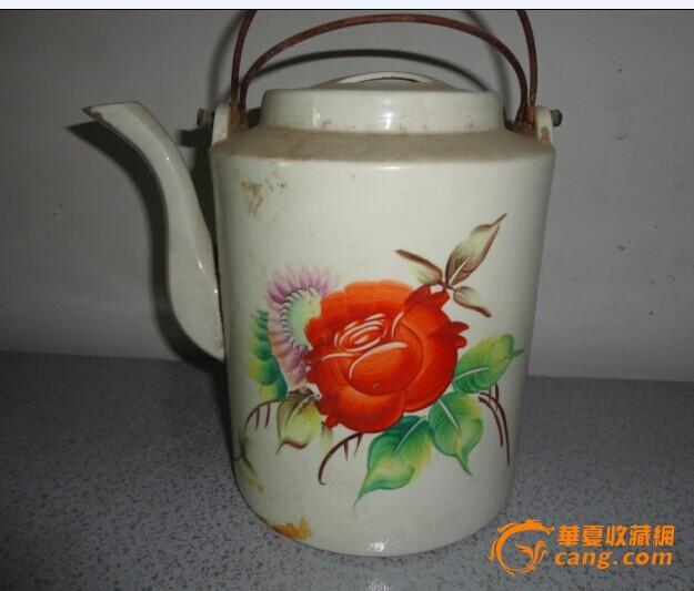文革手绘玫瑰花提梁壶