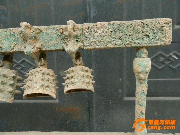出土的青铜器编钟