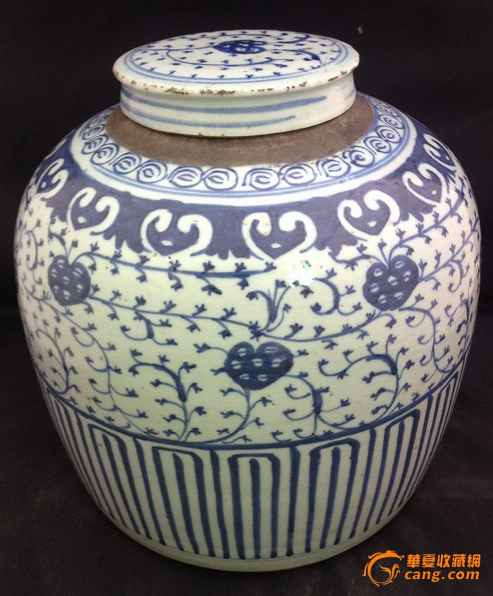 清代大型青花罐/清代罐子/清代青花睡莲茶叶罐图片