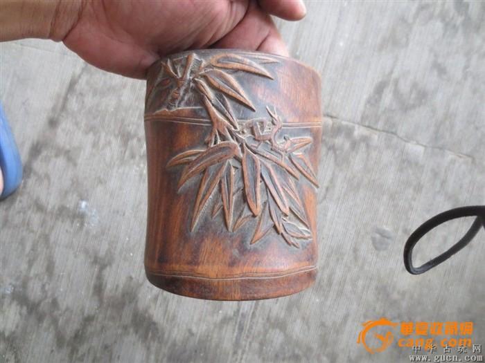 传世的老黄花梨木雕竹子的老笔筒
