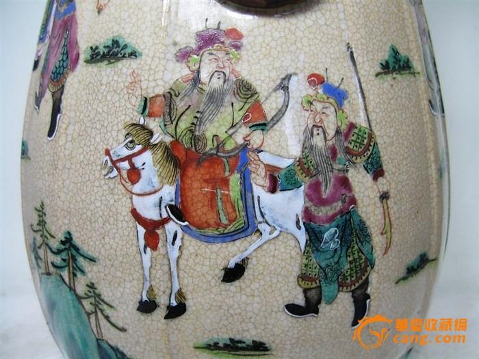 清代哥釉粉彩三国故事绘画瓜棱枇杷尊